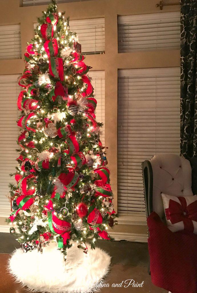 how-i-put-ribbon-on-my-christmas-tree-11
