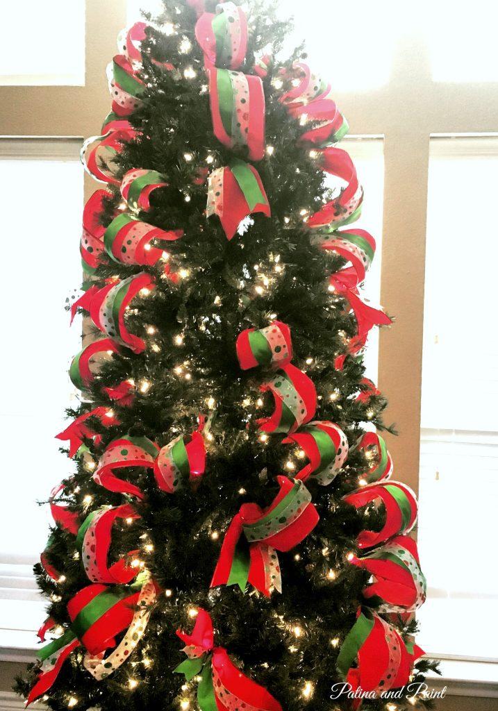 how-i-put-ribbon-on-my-christmas-tree-2