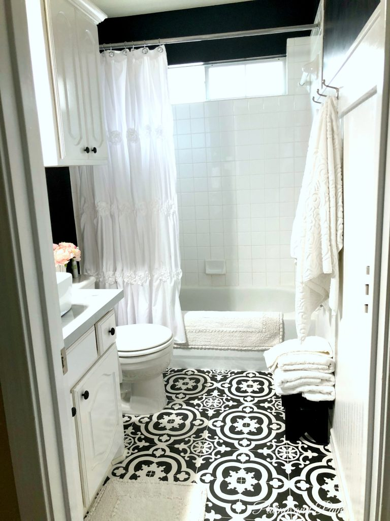 Mini Guest Bathroom makeover