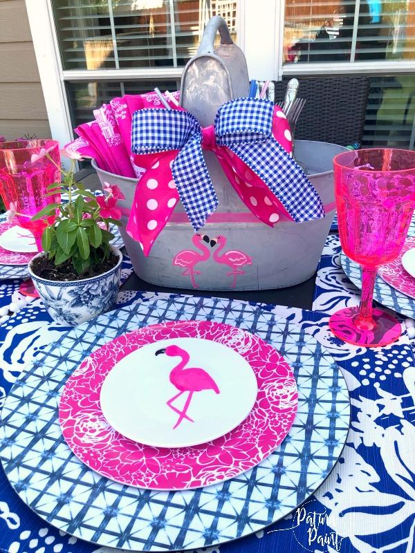 Flamingo table setting