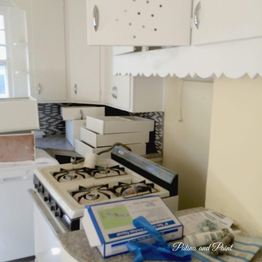 bungalow kitchen 3