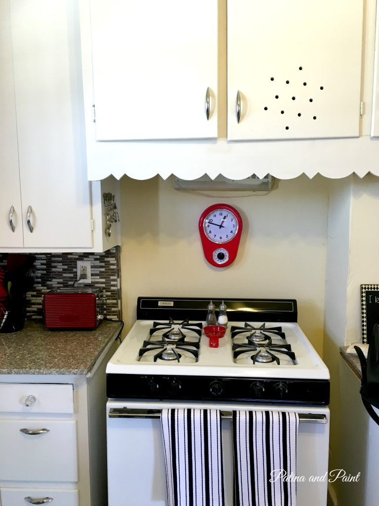 bungalow kitchen j11