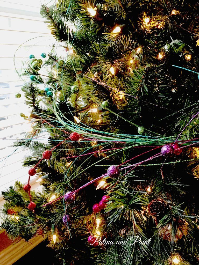 how to trim your christmas tree 11