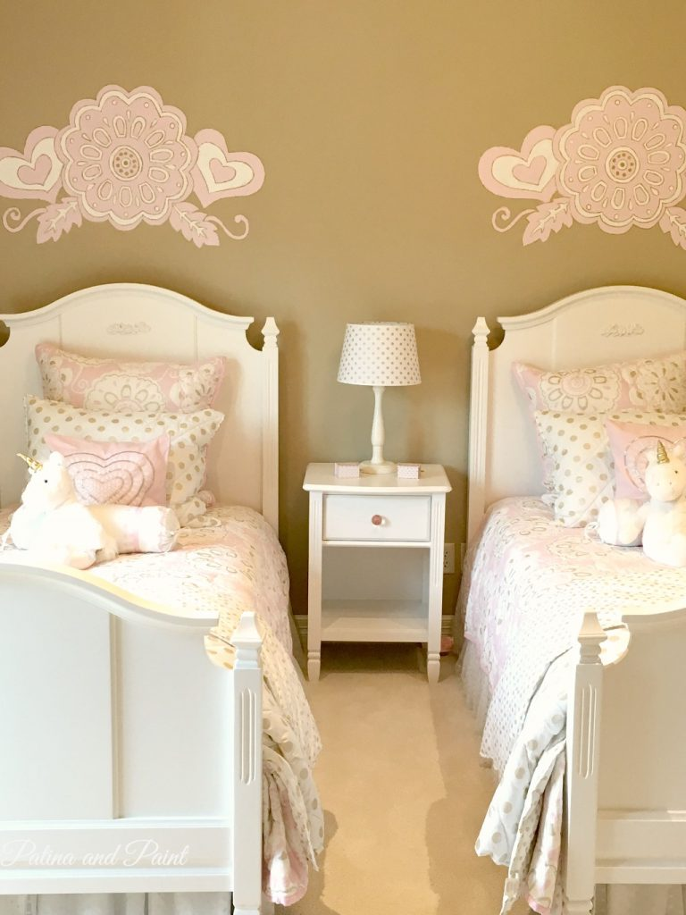 pink girls room