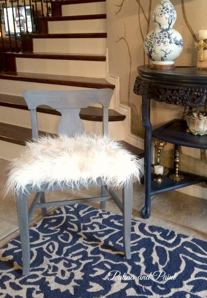 sm blu chair